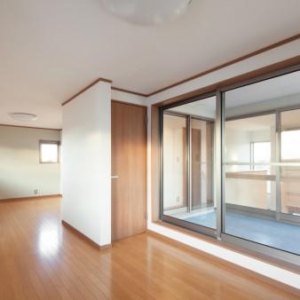 29:寝室(子) WICを通して子供室に繋がる。