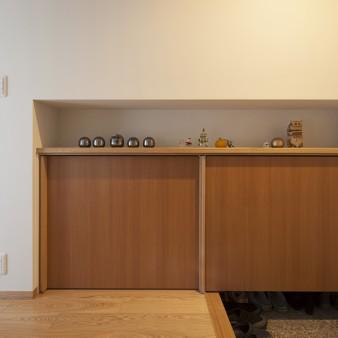 3、玄関:すっきりした造り付けの下駄箱