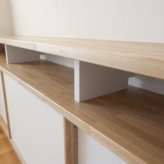8:食堂 空間と一体になった造り付け家具。