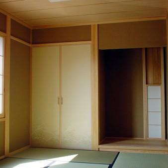 14:和室1 西面床の間脇には通風の為の開口部がある。
