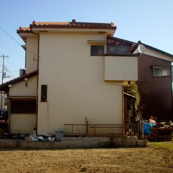 1:既存建物 西側から見る。