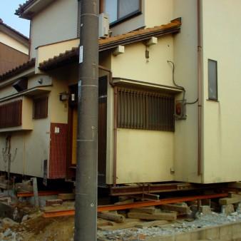 4:曳家工事 鋼材引き込み配置の上ジャッキアップ