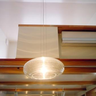 9:食堂 ロフトからの光が食堂を柔らかく包み込む。